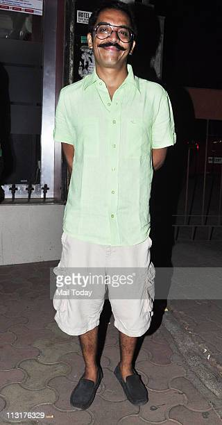 Vrajesh Hirjee at Kushal Punjabi's birthday bash at Andheri Mumbai on April 25 2011
