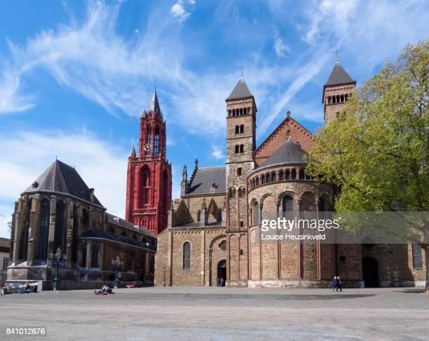 vrijthof with saint john's church and saint servatius basilica, maastricht - マーストリヒト ストックフォトと画像