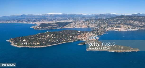 Vue aérienne de SaintJeanCapFerrat la 'Baie des anges' et Nice Villefranche sur mer et Beaulieu sur mer avril 2016 France