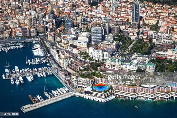 Vue aérienne du casino, de l'hôtel de Paris et de l'Auditorium Rainier II, Monte-Carlo.