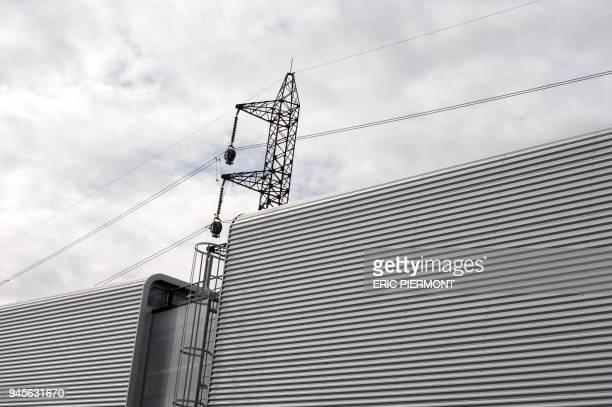 Vue de câbles au nouveau poste de transformation électrique 225000/63000 volts de Seine à SaintDenis présenté par le Réseau de Transport...