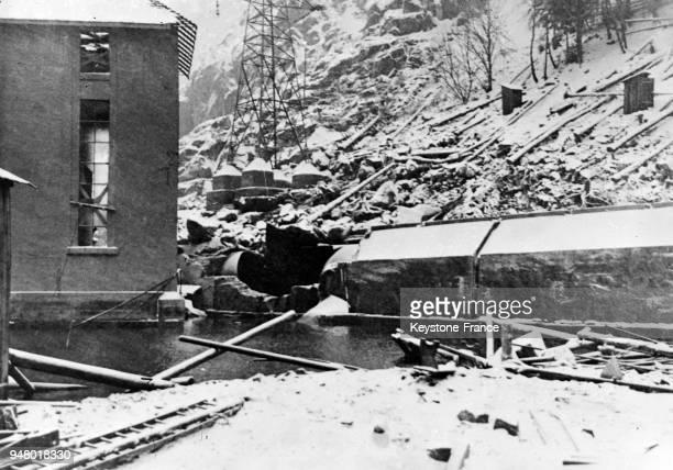 Vue de la conduite d'eau éclatée de l'usine hydroélectrique du Lac Noir qui a causé le décès de neuf personnes en France en 1934