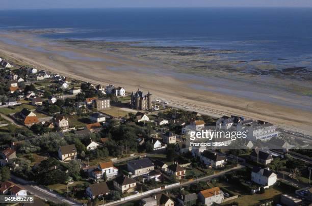 Vue de la plage de BarnevilleCarteret dans la Manche France