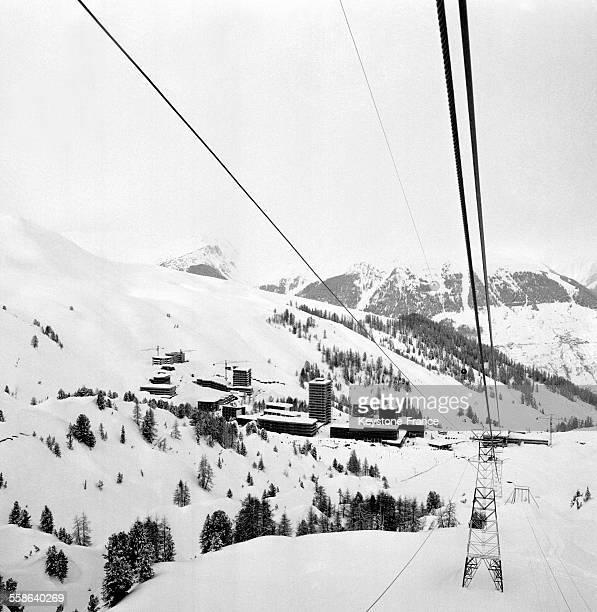 Vue de la station de ski à La Plagne France circa 1960