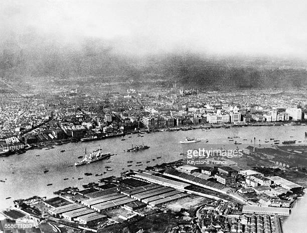 Vue de la ville et de la concession étrangère à Shanghai Chine en 1932