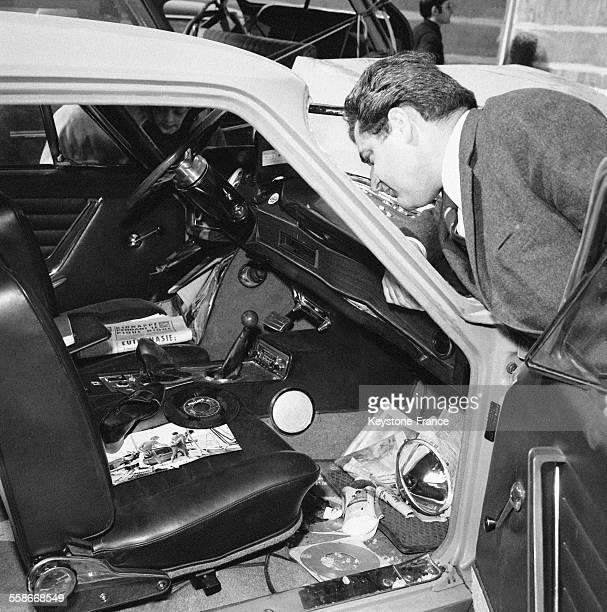 Vue dela voiture de Sylvie Vartan après l'accident en France le 11 avril 1968