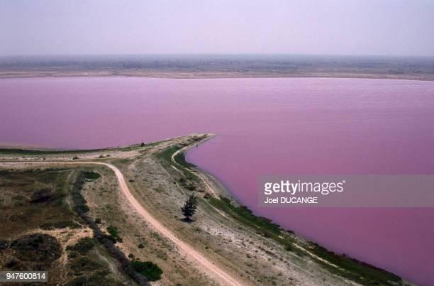 Vue du lac Rose au Sénégal.