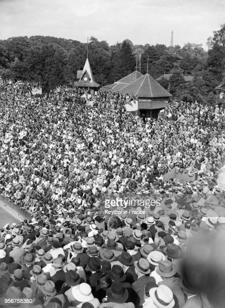 Vue du stade RolandGarros pendant la Coupe Davis à Paris France en 1932