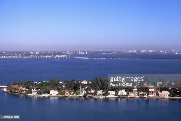 Vue d'une île résidentielle artificielle des Venetian Islands à Miami, en Floride, Etats-Unis.