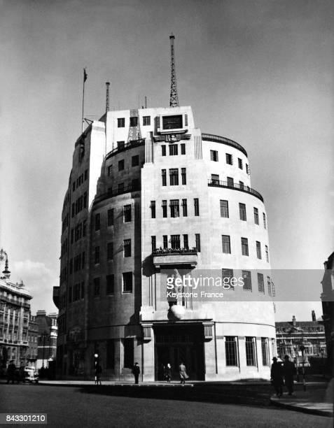Vue extérieure de l'immeuble de la BBC à Londres RoyaumeUni en 1945