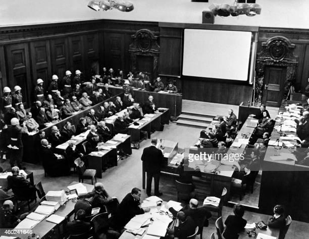 Vue générale de la salle d'audience du tribunal militaire international de Nuremberg prise en novembre 1945 lors du procès des responsables nazis...