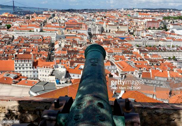Vue générale de la ville depuis le château SaintGeorges à Lisbonne au Portugal le 17 avril 2006