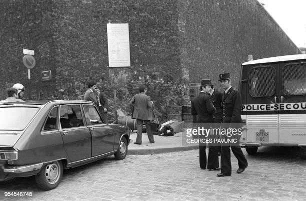 Vue générale du mur de la prison de la Santé à Paris prise le 08 mai 1978 par lequel les gangsters Jacques Mesrine Carman Rives et Francis Besse...