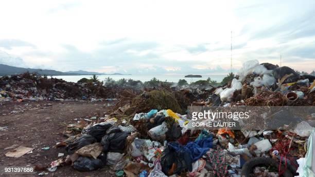 Vue prise le 17 mars 2010 de la décharge de PetiteTerre à Mayotte collectivité d'outremer de France située dans l'archipel des Comores AFP PHOTO /...