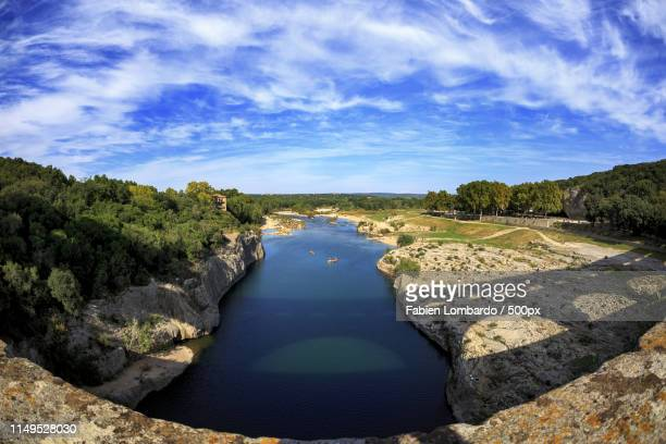 vue sur le pont du gardflombardo - ガール県 ストックフォトと画像