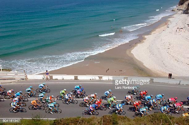 Vuelta a Espana Stage 10 The peloton near a beach in Posada del Llanes