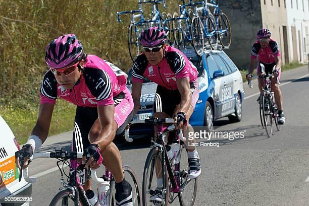 Vuelta Valenciana 2 etape Gian Matteo Fagnini efterfulgt af Erik Zabel Telekom Udo Bölts i baggrunden