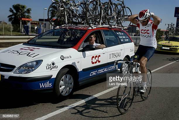 Vuelta Valenciana 2 etape Jimmi Madsen CSCTiscali og sportsdirektoer Johnny Weltz