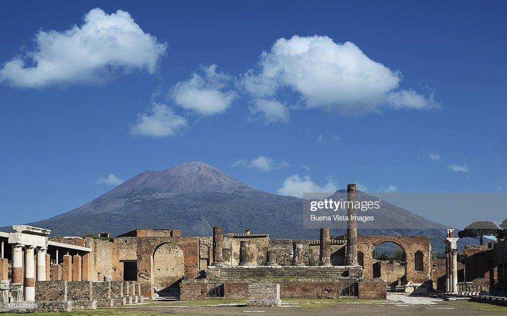 Vulcan Vesuvio and Pompei ruins, the Forum : Stock Photo