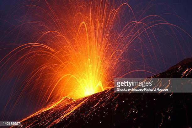 vulcanian eruption of anak krakatau volcano, sunda strait, java, indonesia. - anak krakatau imagens e fotografias de stock