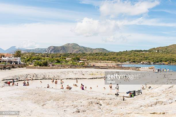 vulcano in eolie island - isole eolie foto e immagini stock