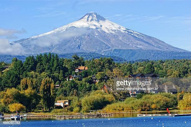 vulcão villarrica - chile - pucon fotografías e imágenes de stock