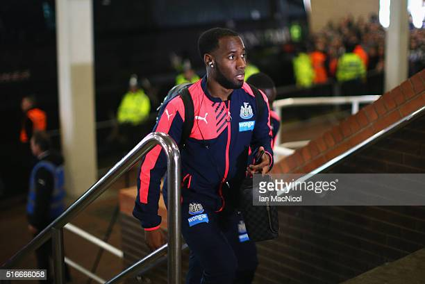 Vurnon Anita of Newcastle United arrives for the Barclays Premier League match between Newcastle United and Sunderland at St James' Park on March 20...
