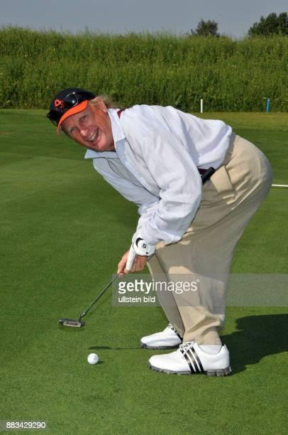 Waalkes Otto Komiker Schauspieler D beim Golfturnier zugunsten der UweSeelerStiftung auf dem Golfplatz Siek bei Ahrensburg