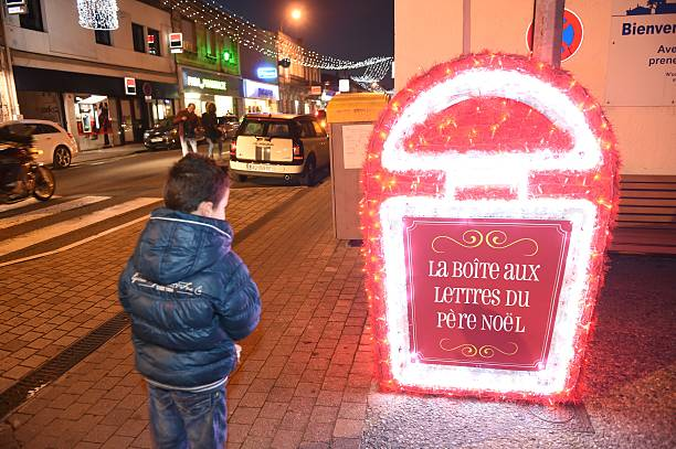 Wacil a five year old french child posts his letter for santa claus wacil a five year old french child posts his letter for santa claus spiritdancerdesigns Images
