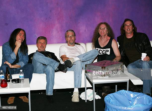 Waddy Wachtel band Rick Rosas Johnny Rivers Phil Jones Waddy Wachtel and Jamie Savko backstage at The Joint in Los Angeles California on November 13...