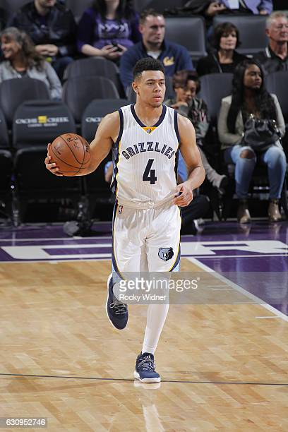 Wade Baldwin IV of the Memphis Grizzlies brings the ball up the court against the Sacramento Kings on December 31 2016 at Golden 1 Center in...
