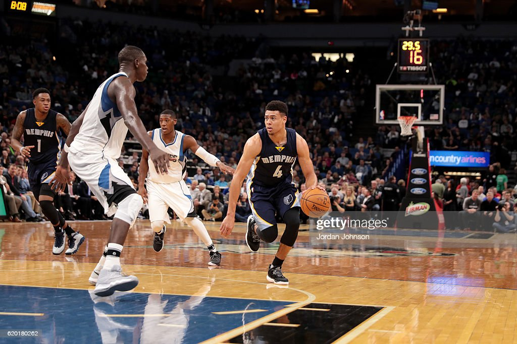 Wade Baldwin IV #4 of the Memphis Grizzlies handles the ball during the game against the Minnesota Timberwolves on November 1, 2016 at Target Center in Minneapolis, Minnesota.