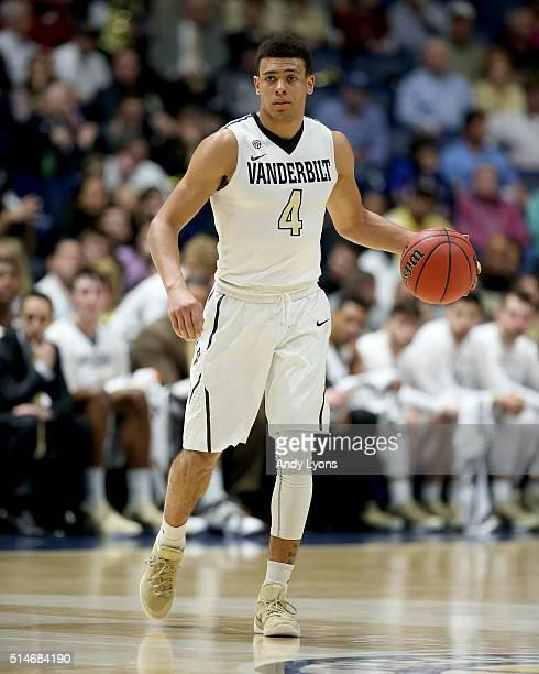 Wade Baldwin IV of the Vanderbilt Commodores dribbles the ball against the Tennessee Volunteers during the second round of the SEC Basketball...