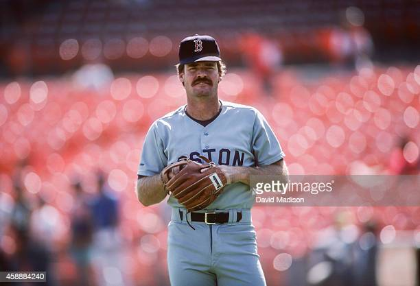 Wade Boggs of the Boston Red Sox warms up before a Major League Baseball game against the Oakland A's in August 1988 at the OaklandAlameda County...