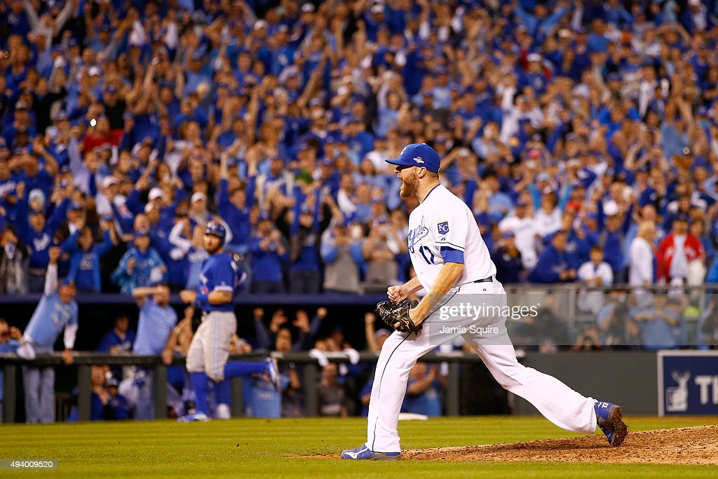 Wade Davis #17 of the Kansas City Royals celebrates after the Royals 4-3 victory against the Toronto Blue Jays in game six of the 2015 MLB American League Championship Series at Kauffman Stadium on October 23, 2015 in Kansas City, Missouri.