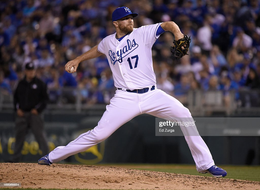Wade Davis #17 of the Kansas City Royals throws in the eighth inning against the Chicago White Sox on April 8, 2015 at Kauffman Stadium in Kansas City, Missouri.