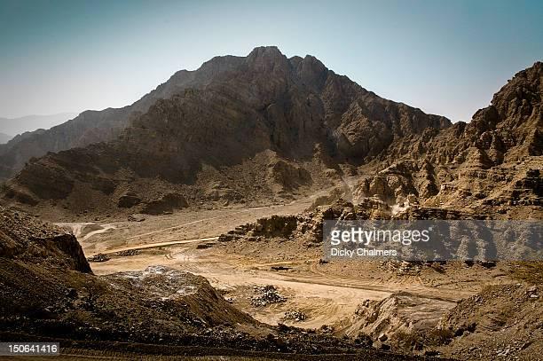 wadi in ras al-khaimah - ras al khaimah stock pictures, royalty-free photos & images