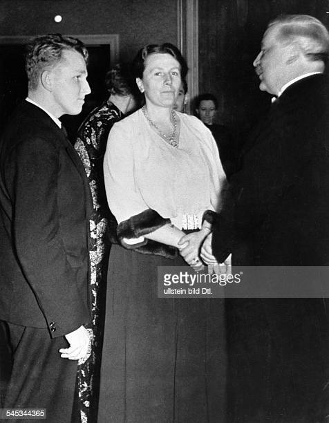 Wagner Winifred *23061897Director of the Bayreuth Festival untill 1944 Great BritainDaughterinlaw of Richard Wagnerwith her son Wolfgang on the 125th...