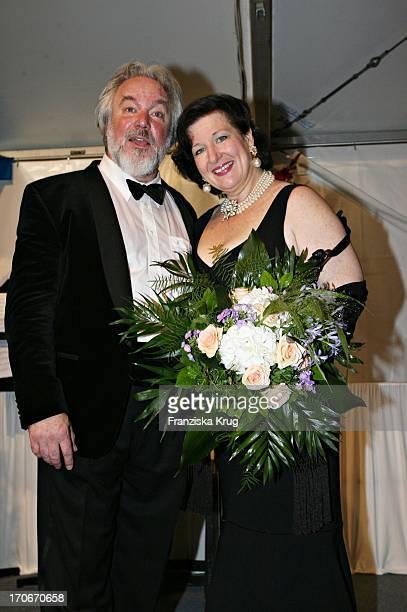 Wagnersänger John Tomlinson Und Wagnersängerin Adrienne Dugger Bei Der Eröffnung Der Bayreuther Festspiele Am 250706 In Bayreuth