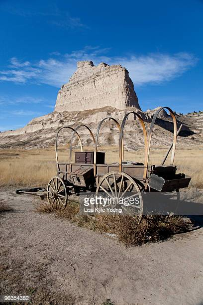 wagon by eagle rock - the oregon trail stock photos and pictures