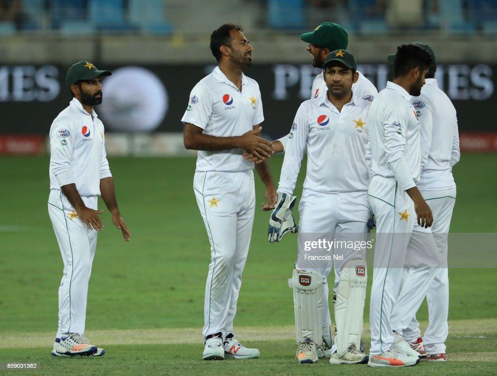 Pakistan v Sri Lanka - Day Three : News Photo