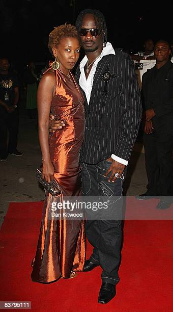Wahu and guest arrive for the MTV Africa Music Awards 2008 at the Abuja Velodrome on November 22, 2008 in Abuja, Nigeria.