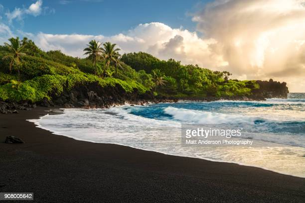 waianapanapa beach - hawaii islands stock pictures, royalty-free photos & images
