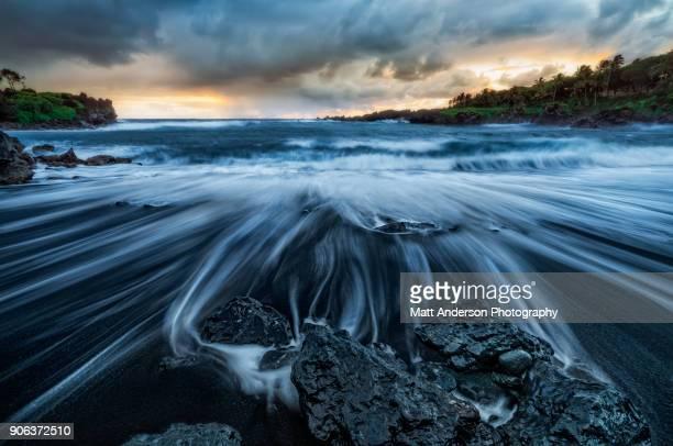 waianapanapa sunrise - punalu'u_beach stock pictures, royalty-free photos & images