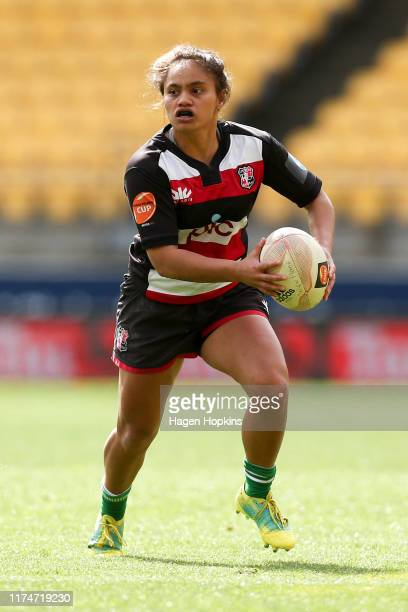 Waikohika Flesher of Counties Manukau in action during the round 3 Farah Palmer Cup match between Wellington and Counties Manukau at Westpac Stadium...