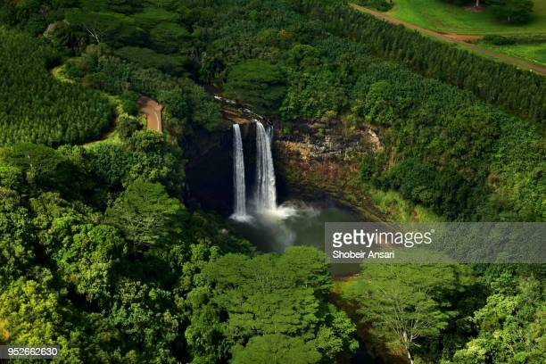 wailua waterfalls, kauai, hawaii - water fall hawaii stock pictures, royalty-free photos & images