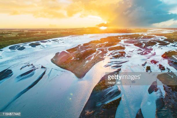 waimakariri river view early morning. - canterbury region new zealand stock pictures, royalty-free photos & images