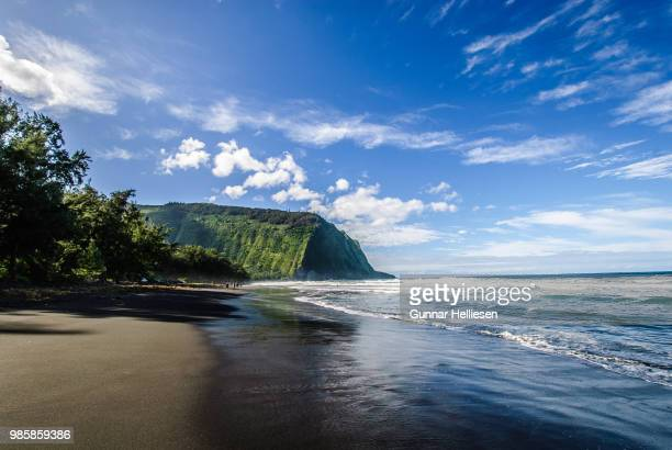 waipio bay - gunnar helliesen stock pictures, royalty-free photos & images