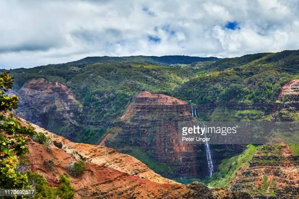 waip'o falls,waimea canyon state park,waimea,kauai,hawaii,usa - waimea canyon stock pictures, royalty-free photos & images