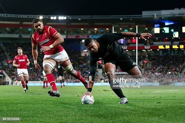 Waisake Naholo of New Zealand scores a try during the International Test match between the New Zealand All Blacks and Wales at Westpac Stadium on...
